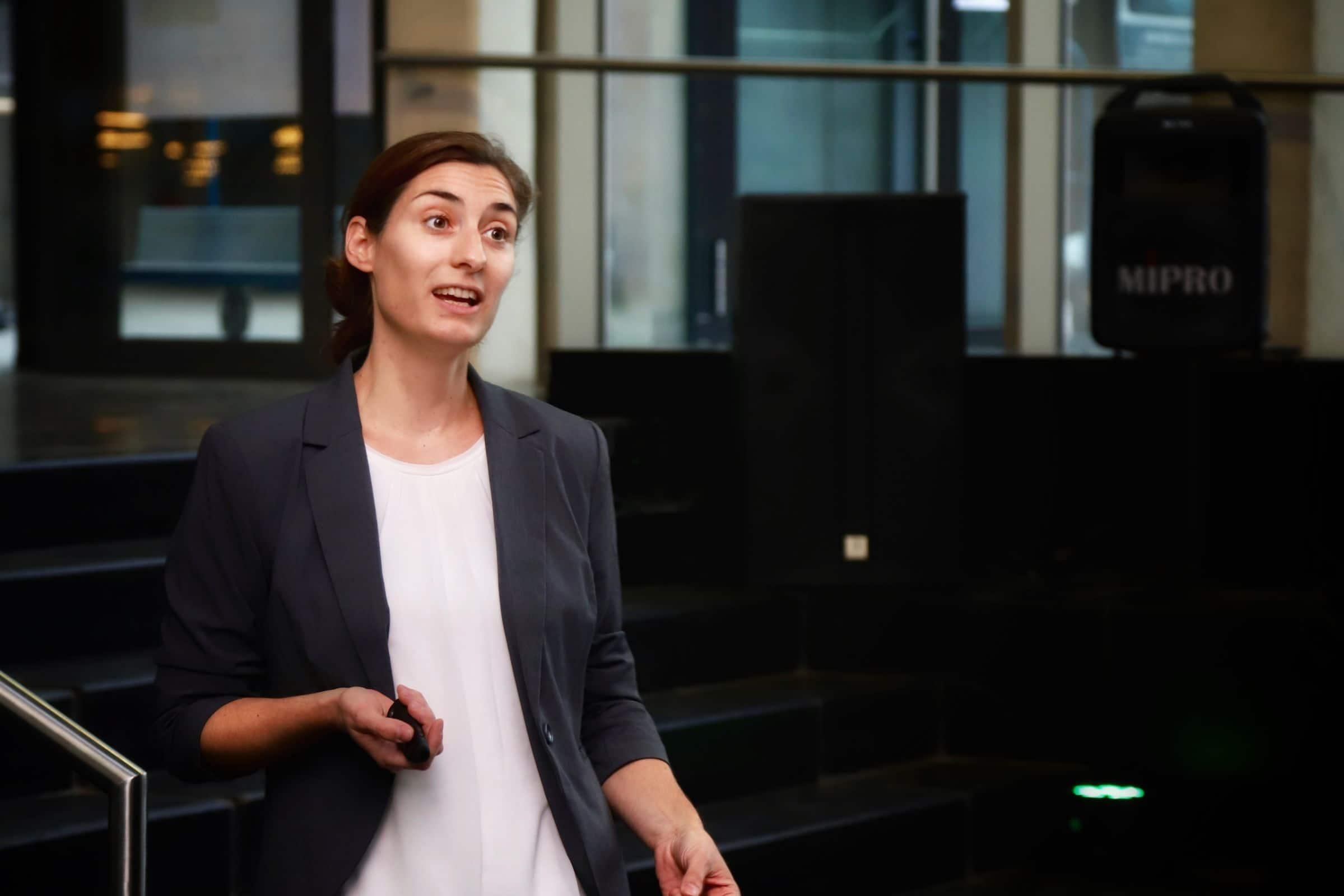 20.11. und 21.11.2018 – Angelika Kneidl beim Arena Summit