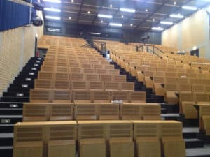 Foto leerer Hörsaal im Klinikum Großhadern